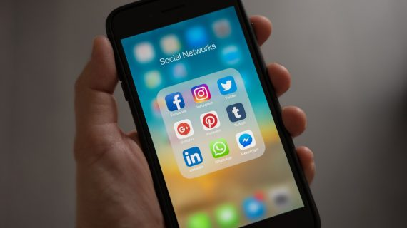 Menggabungkan Social Media Marketing dan Whatsapp Marketing